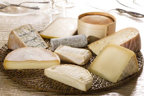 Una tabla de quesos regionales