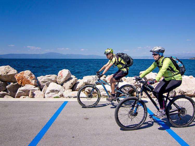 Scout Dubašnica by bike