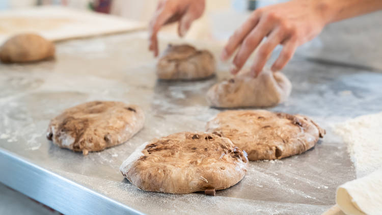 saint manos de daniel lopez el panadero