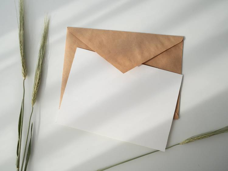 Dia 30: Escrever uma carta a si próprio e um postal aos outros