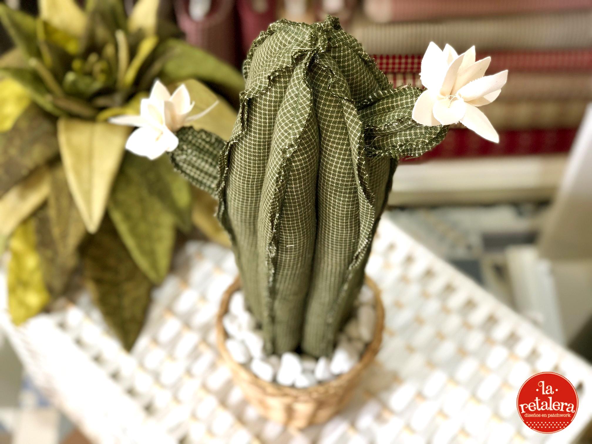 Kit para hacer un cactus de patchwork