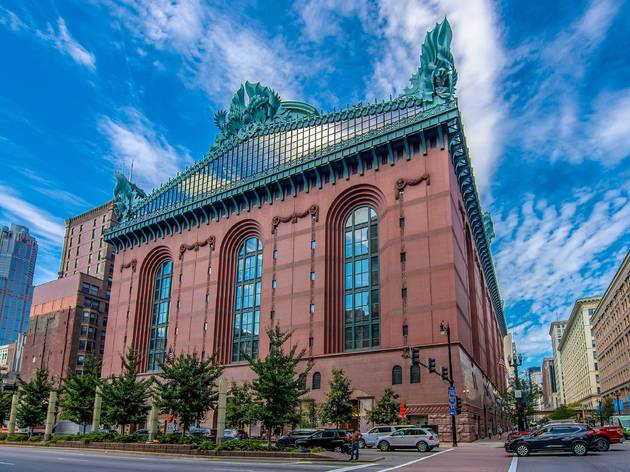 harold washington, harold washington library, library, chicago library, CPL, loop, downtown, the loop, shutterstock