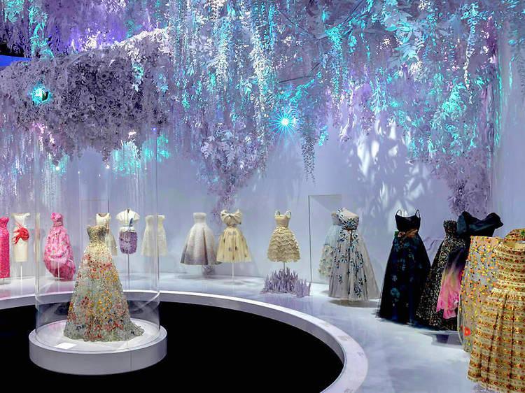 """""""Christian Dior, couturier de rêve"""" au musée des Arts décoratifs"""
