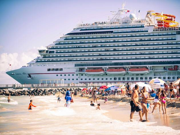 Cruise ships in South Beach