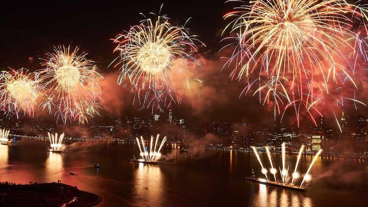 Mayor De Blasio, NYC, Macy's, Fourth Of July, East River, FDR Drive, Brooklyn