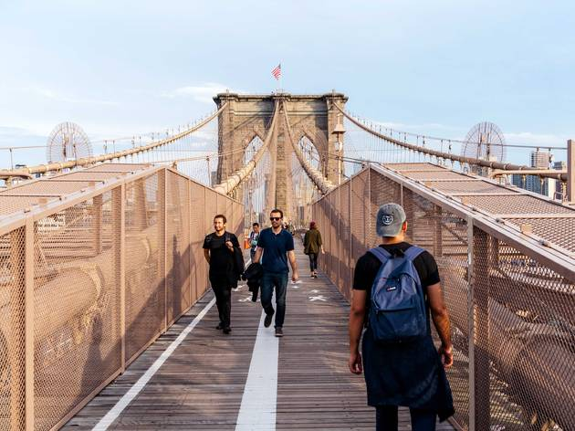 brooklyn bridge sidewalk