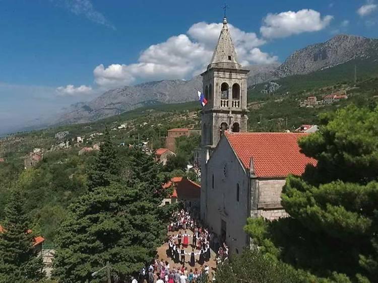 Tour historic churches