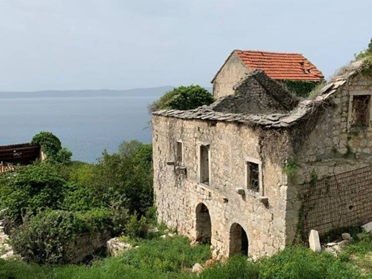 Discover the ruins of Old Podgora