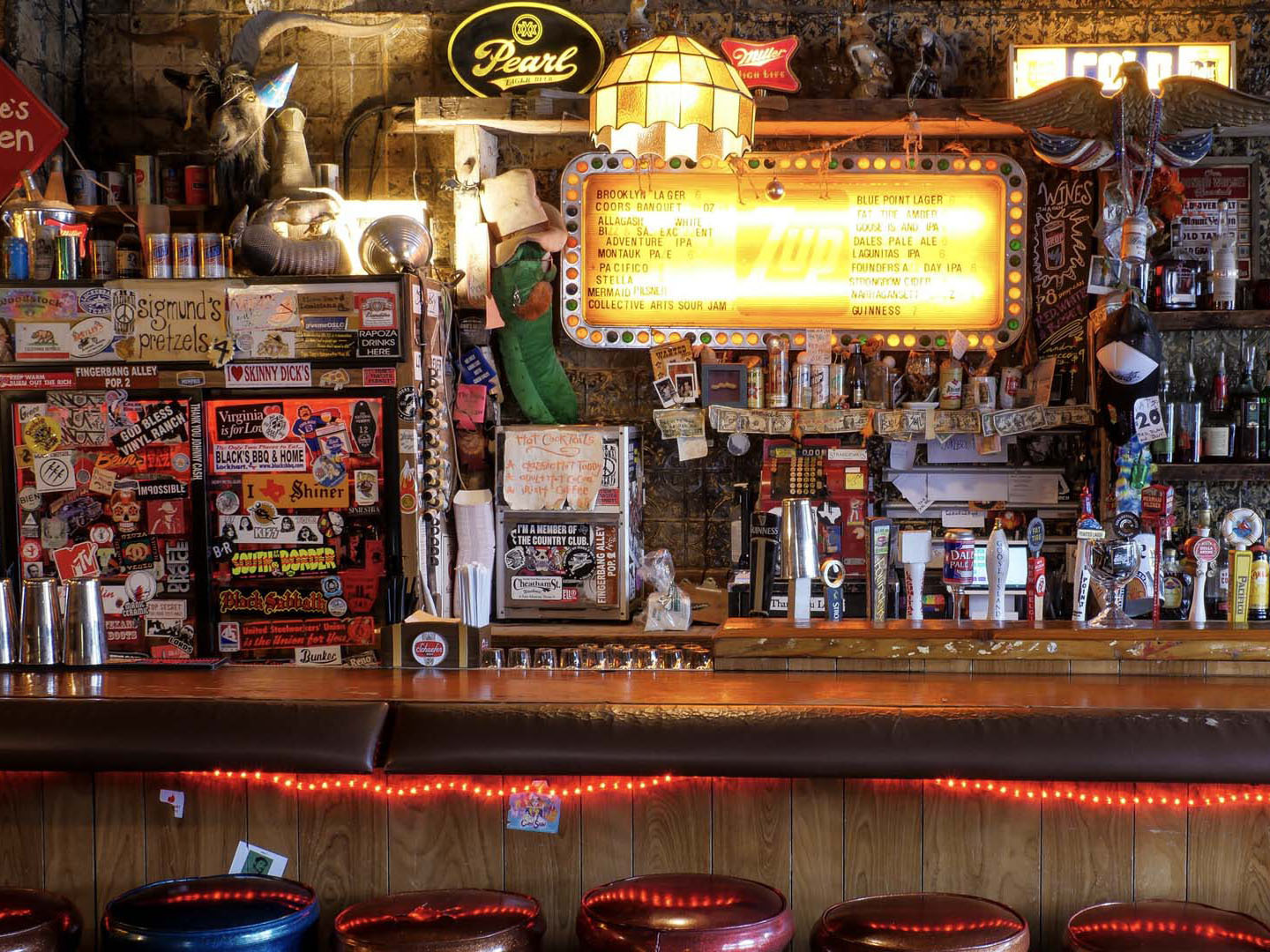 You Can Download Zoom Backgrounds Of Your Favorite Nyc Bars For Charity