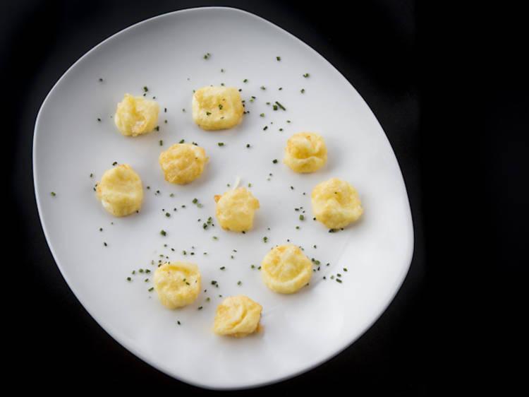Cocinar con las recetas de varios chefs madrileños...
