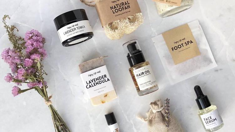 Wood Polar store