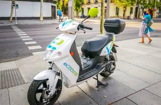 Les motos de lloguer eCooltra tornen a donar servei