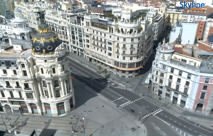 An empty Gran Vía