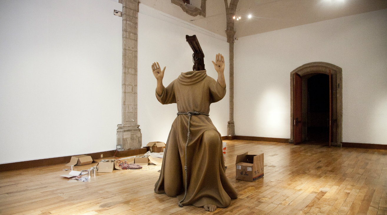 Ve Santos vivientes, de Michael Landy