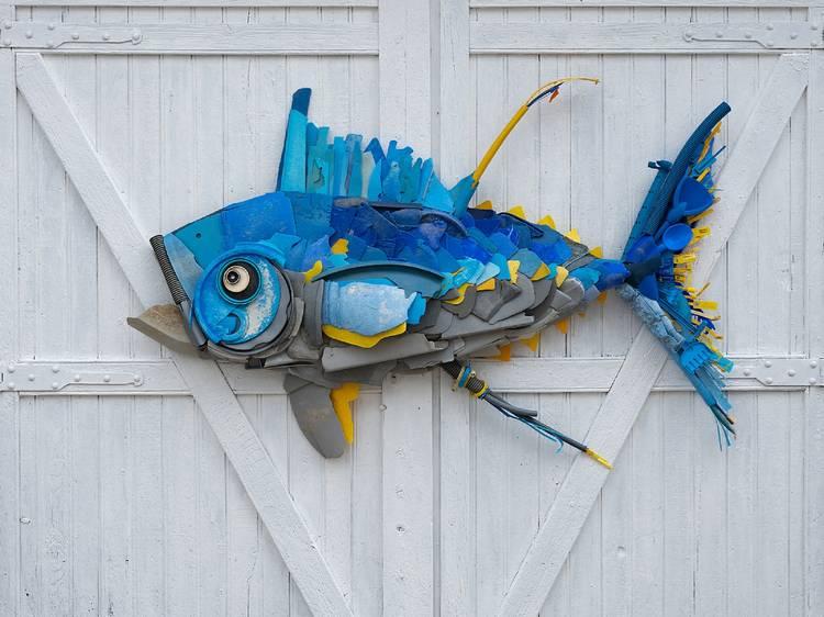 Artistas de plástico: conheça estes artistas que fazem arte com desperdício