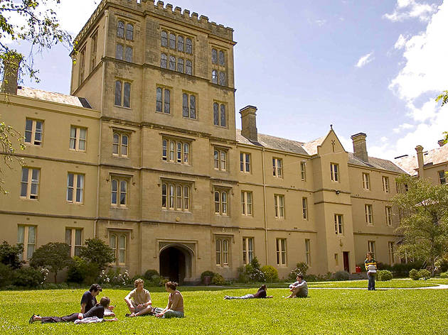 A sunny day outside Queen's College