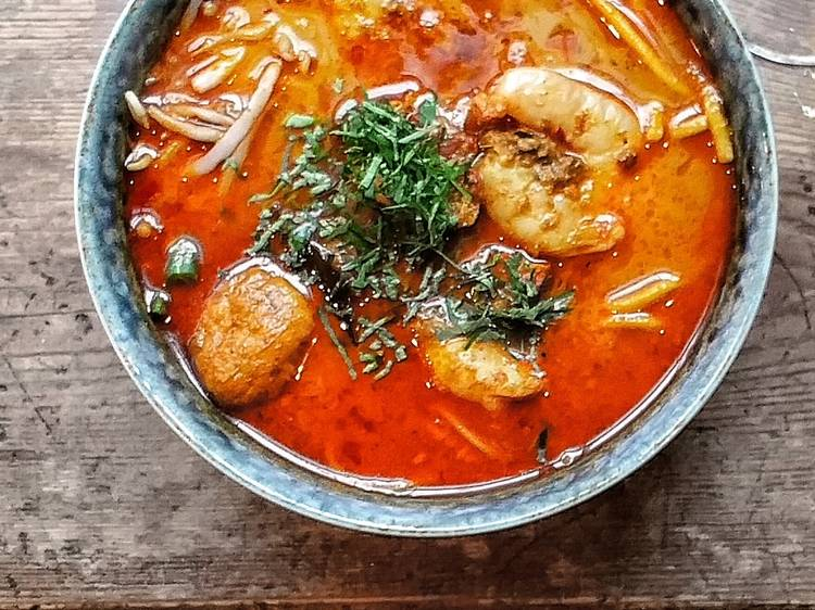 Sambol Shiok's comforting king prawn nyonya curry laksa