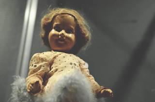 Há várias bonecas entre as peças mais assustadoras