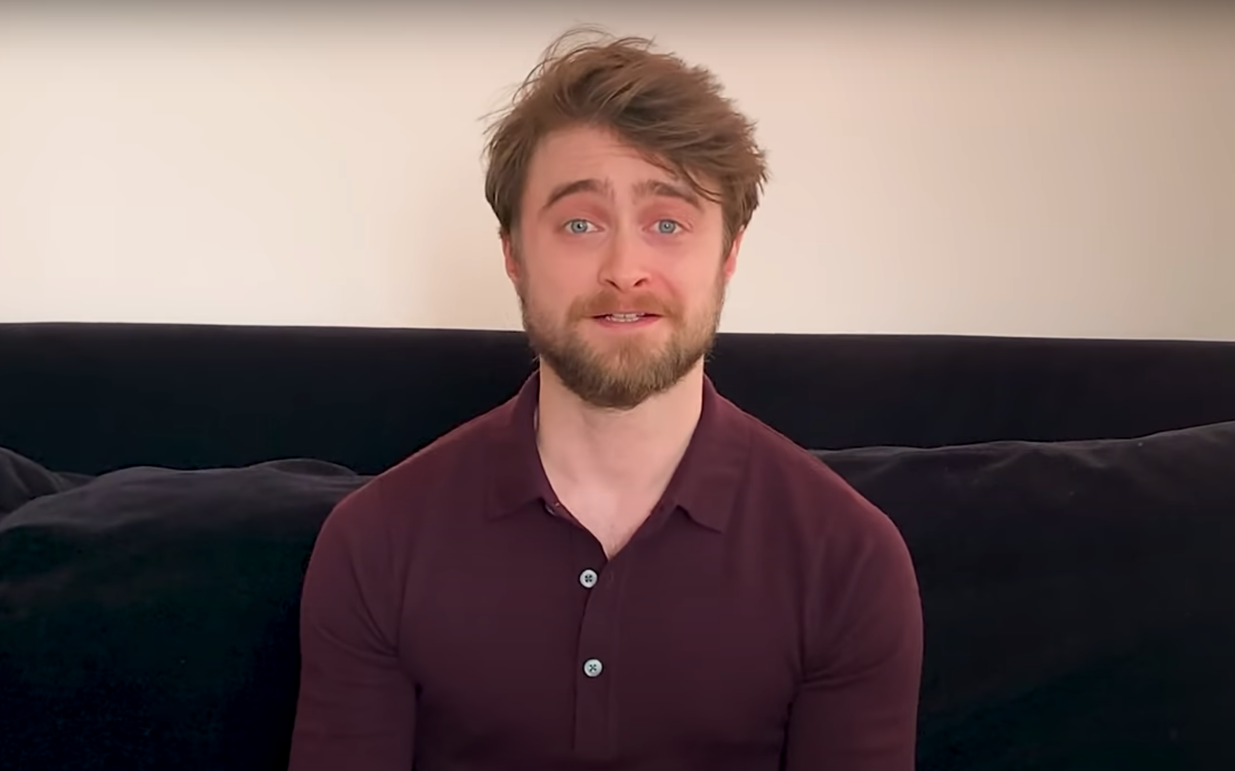 Daniel Radcliffe reads Harry Potter from his sofa
