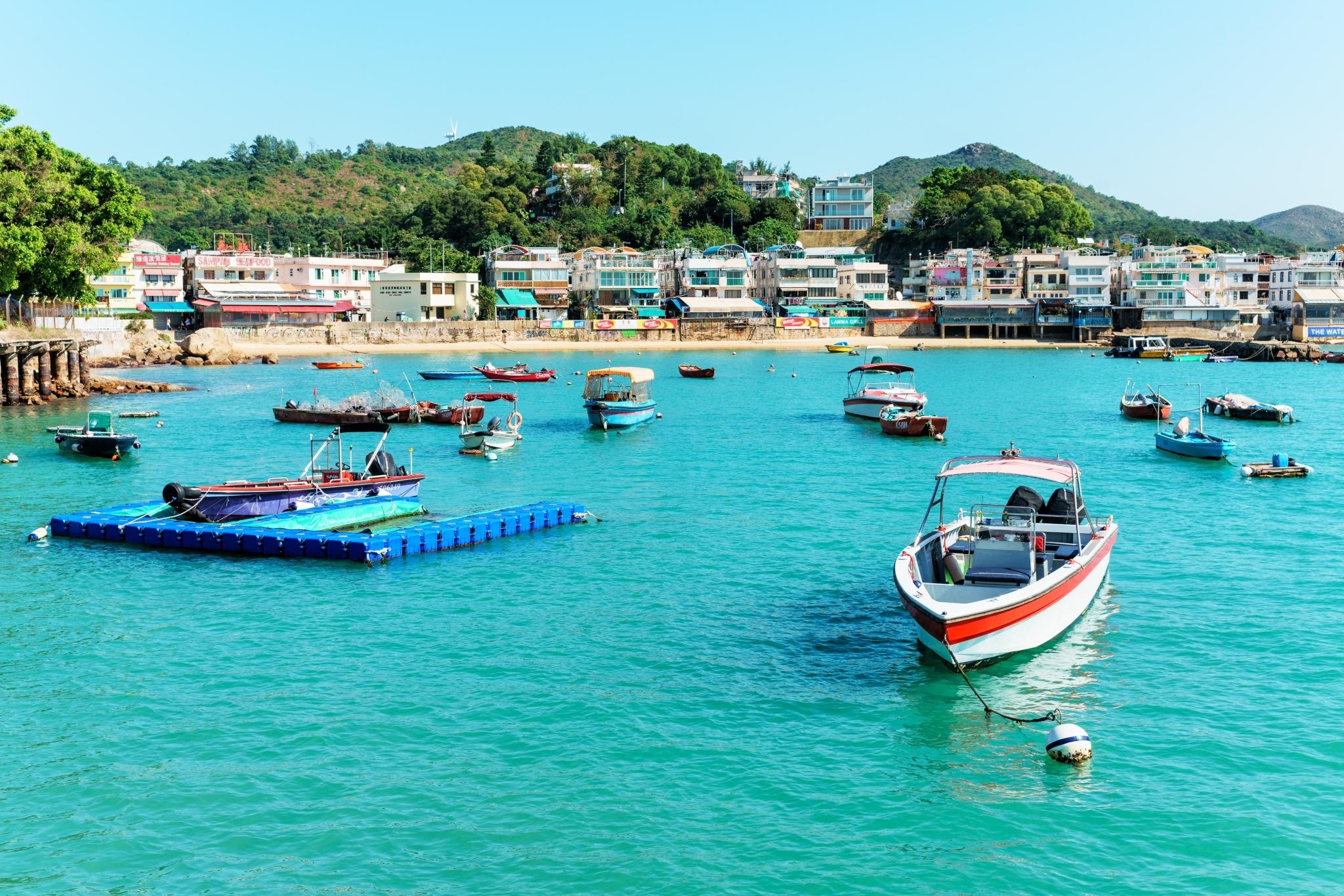 hikes Lamma Island boats