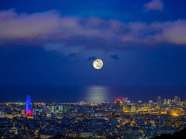 Lluna plena Barcelona
