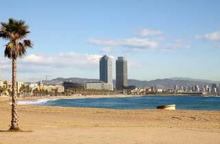 Reabren las playas de Barcelona