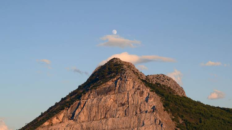 Watch the moon and stars take over Perun Mountain near Split