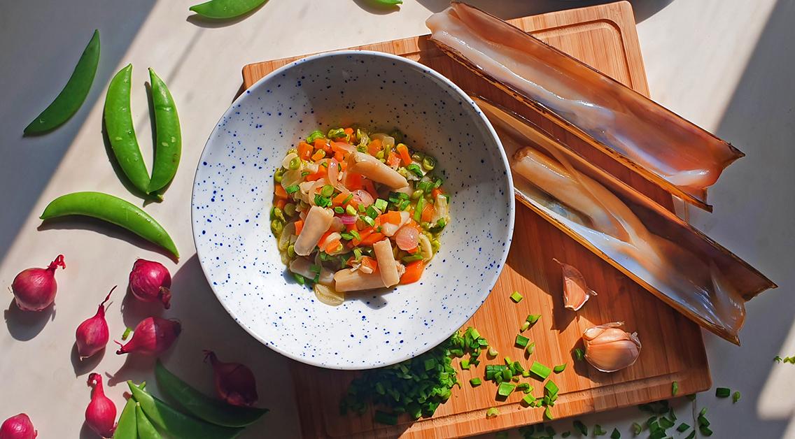 razor clam and sweet peas la rambla