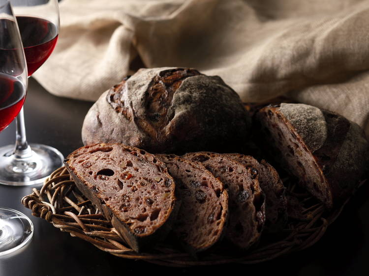 厳選ワインとパンをセットで