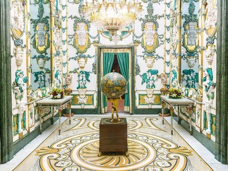 Recorrer el Palacio Real de Madrid desde tu humilde morada