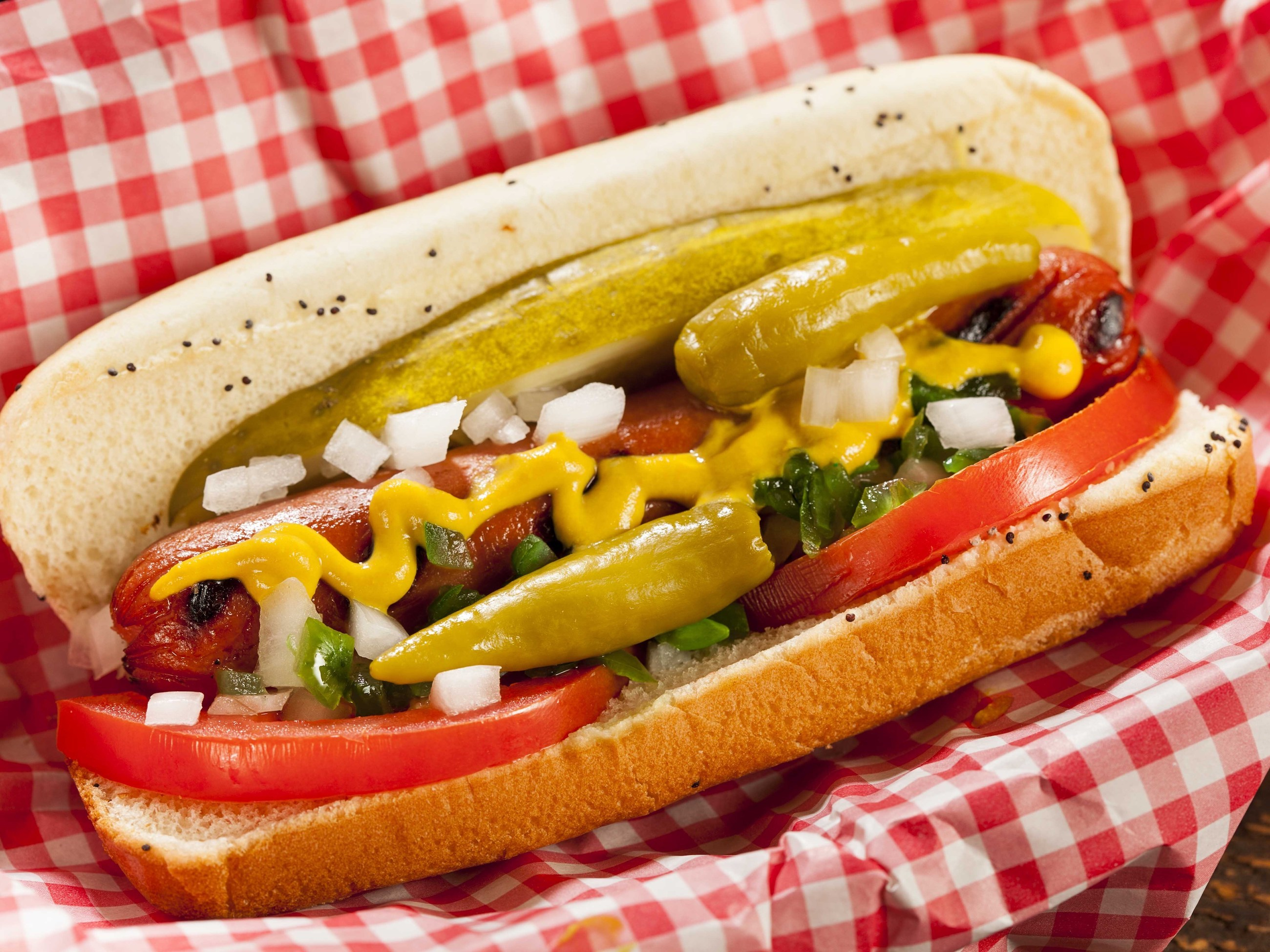 Wiener Circle offers a side of 'curbside abuse' with to-go orders