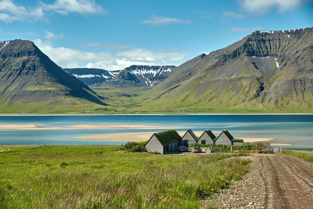 アイスランドがワクチン接種で検査と隔離なしで入国可能に