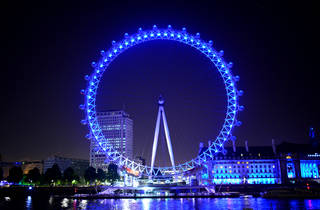 London Eye turning blue for the NHS