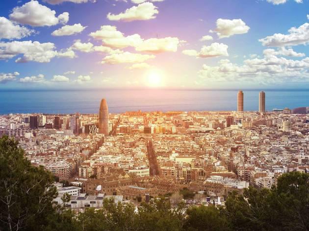 規制緩和を開始したスペイン、7月に観光客受け入れへ