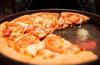 Pizza Hut; pizza