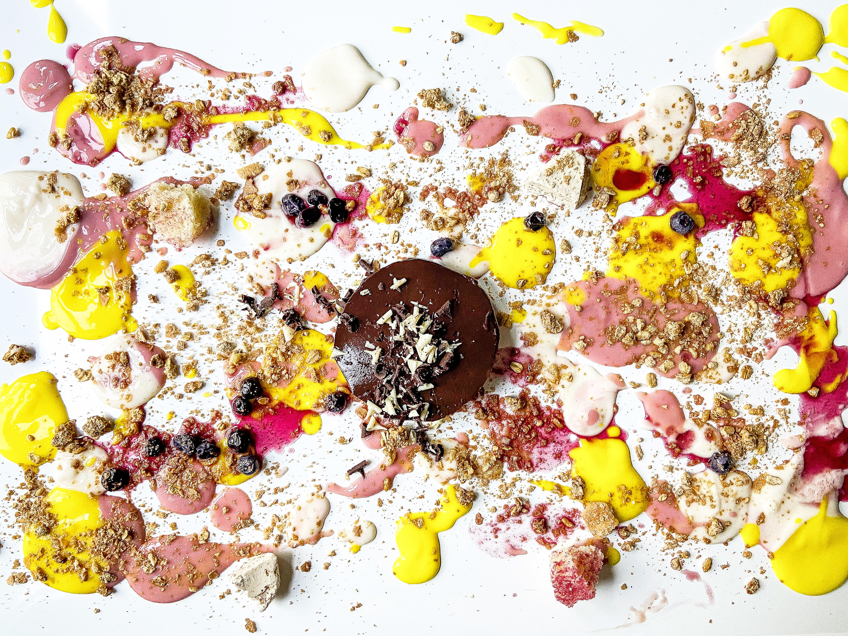 Alinea's iconic tabletop dessert is available to go—and Chicagoans are obsessed