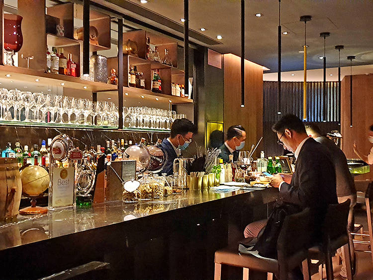 Ways to support Hong Kong's bar industry