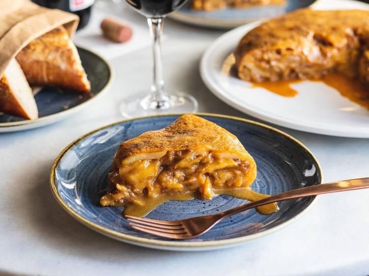Probar la famosísima tortilla de JuanaLaLoca