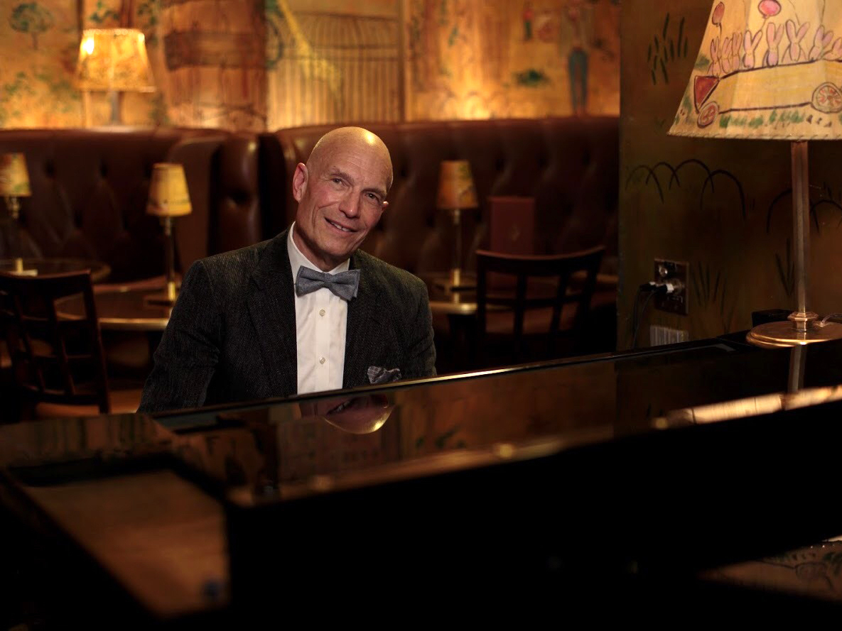 Bemelmans Bar's resident pianist is putting on a live virtual performance tonight