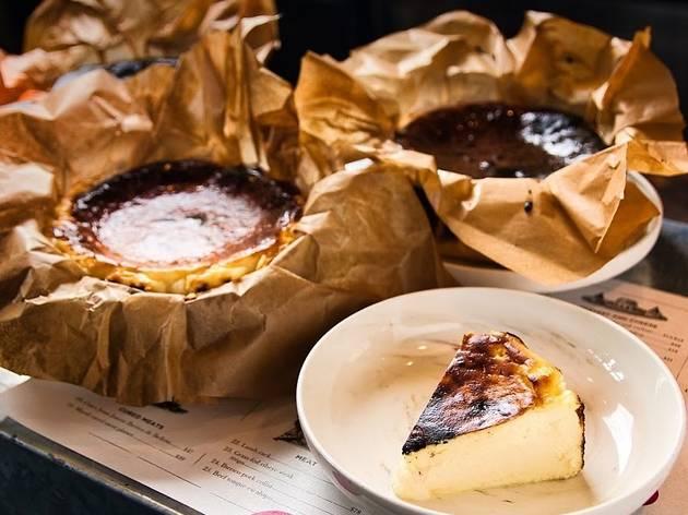 Lolla burnt cheesecake
