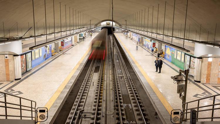 estação de metro dos olivais