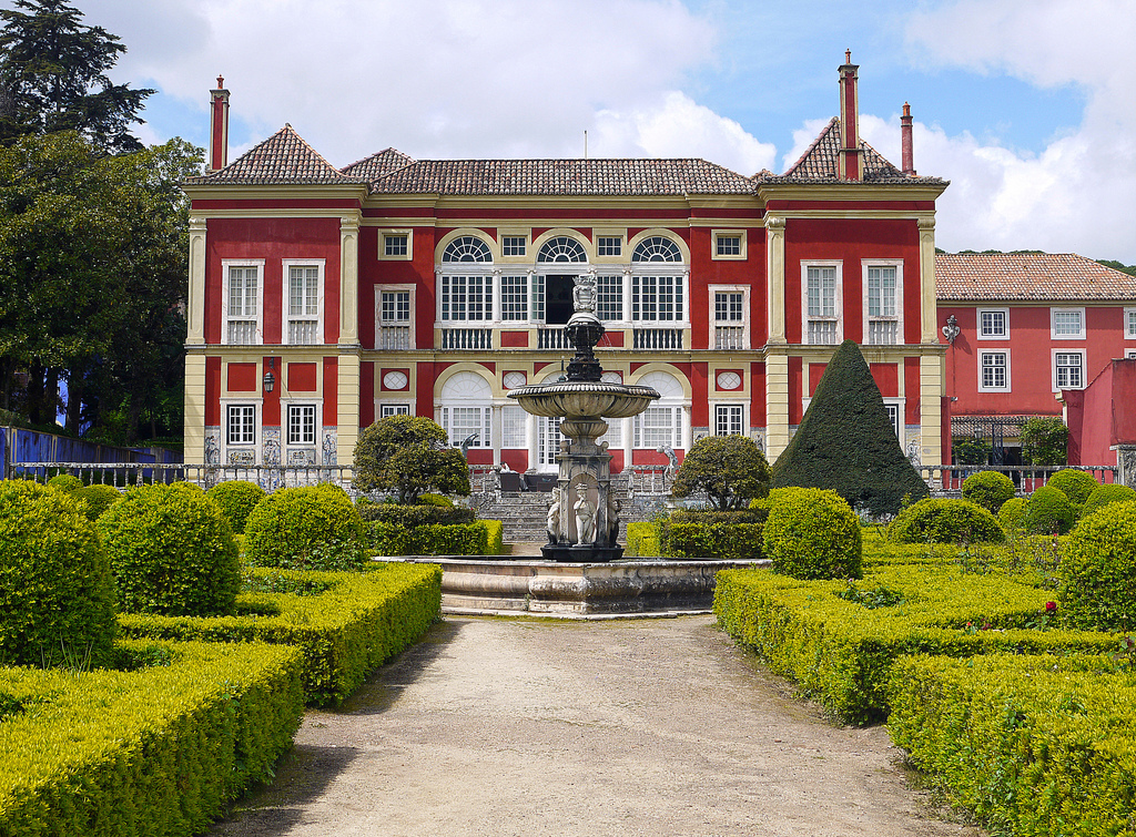 Conheça os jardins do Palácio Fronteira, num passeio temático