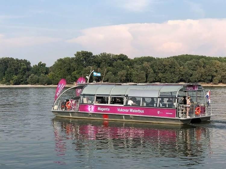 Croatia's first boat cinema sets sail from Vukovar