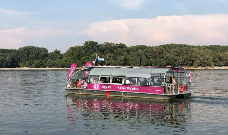 Croatia's first boat cinema sets sail from Vukovar