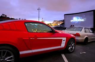 Drive-In Movie Theatre / Ciné-Parc
