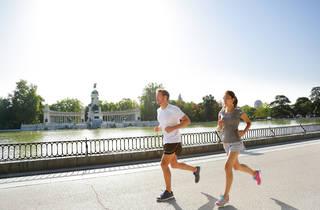 Runners in El Retiro park