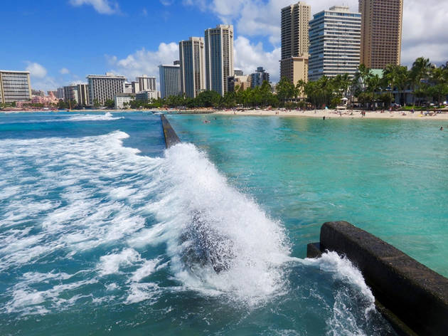 'Waikiki Wall' breakwater, Kuhio Beach, Waikiki
