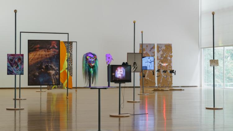 'Máscaras (Masks)' na Galeria Municipal do Porto