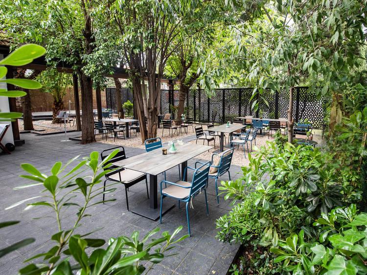 En un jardín casi escondido de Arturo Soria