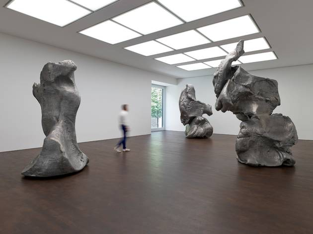 Photograph: Crushed, Cast, Constructed: Sculpture by John Chamberlain, Urs Fischer, and Charles Ray, installation view, 2020. © Urs Fischer. Prudence Cuming Associates. Courtesy Gagosian